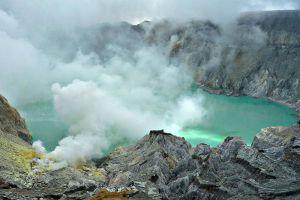 Ijen-Volcano-East-Java-Indonesia-003.jpg