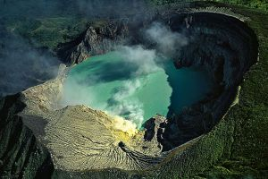 Ijen-Volcano-East-Java-Indonesia-005.jpg