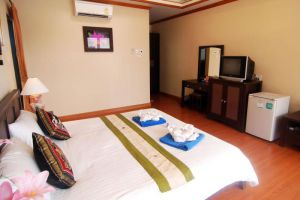 Il-Mare-Beach-Resort-Lanta-Thailand-Room.jpg