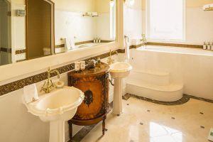 Imperial-Hotel-Vung-Tau-Vietnam-Bathroom.jpg