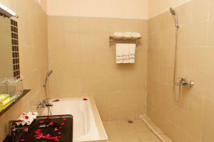 Inle-Apex-Hotel-Taunggyi-Myanmar-Bathroom.jpg