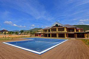 Inle-Garden-Hotel-Taunggyi-Myanmar-Pool.jpg