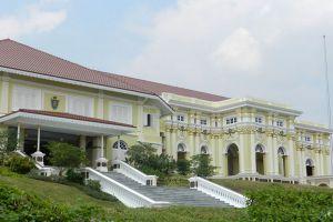 Istana-Besar-Johor-Bahru-Malaysia-002.jpg