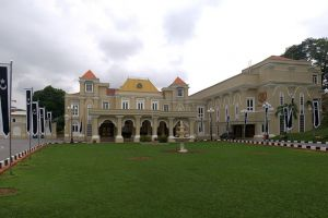 Istana-Maziah-Terengganu-Malaysia-001.jpg