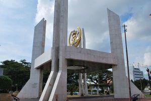 Istana-Maziah-Terengganu-Malaysia-006.jpg