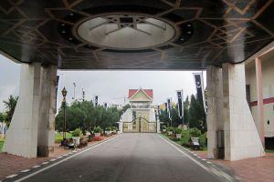 Istana-Maziah-Terengganu-Malaysia-007.jpg