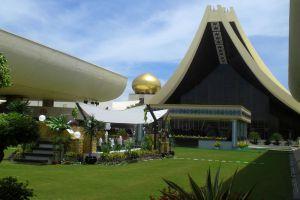 Istana-Nurul-Iman-Brunei-001.jpg