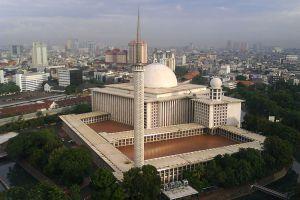 Istiqlal-Mosque-Jakarta-Indonesia-002.jpg