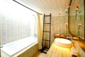 Iyara-Beach-Hotel-Plaza-Samui-Thailand-Bathroom.jpg