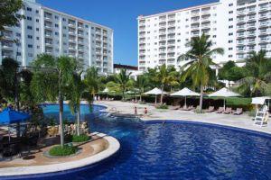 JPark-Island-Resort-Waterpark-Cebu-Philippines-Pool.jpg