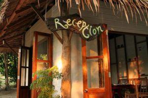 Jacks-Jungle-Bungalows-Restaurant-Lipe-Satun-Thailand-003.jpg