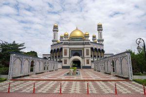 Jameasr-Hassanil-Bolkiah-Mosque-Bandar-Seri-Begawan-Brunei-003.jpg