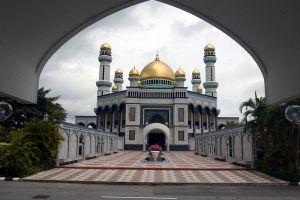 Jameasr-Hassanil-Bolkiah-Mosque-Bandar-Seri-Begawan-Brunei-007.jpg