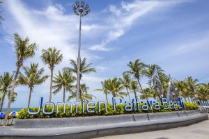 Jomtien-Beach-Chonburi-Thailand-01.jpg