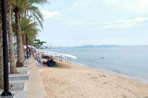 Jomtien-Beach-Chonburi-Thailand-02.jpg