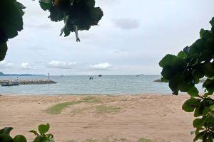 Jomtien-Beach-Chonburi-Thailand-04.jpg