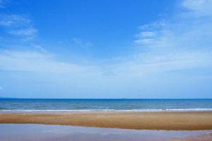 Jomtien-Beach-Chonburi-Thailand-06.jpg