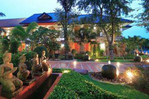 Juntra-Resort-Hotel-Nakhon-Nayok-Thailand-Exterior.jpg