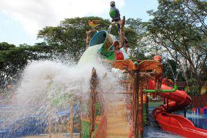 Jurong-Bird-Park-Singapore-001.jpg