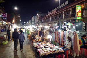 Kalare-Night-Bazaar-Chiang-Mai-Thailand-03.jpg