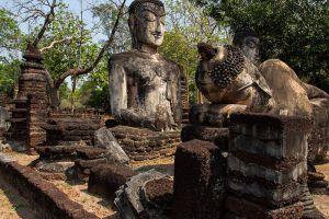 Kamphaeng-Phet-Historical-Park-Thailand-001.jpg