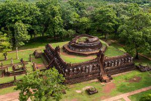 Kamphaeng-Phet-Historical-Park-Thailand-007.jpg