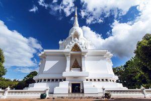 Kanchana-Pisek-Grand-Pagoda-Petchaboon-Thailand-04.jpg