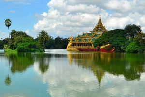 Kandawgyi-Lake-Yangon-Myanmar-005.jpg