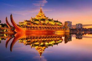Karaweik-Palace-Restaurant-Yangon-Myanmar-001.jpg