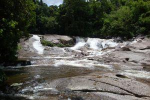Karom-Waterfall-Nakhon-Si-Thammarat-Thailand-002.jpg