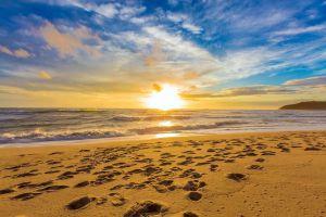 Karon-Beach-Phuket-Thailand-01.jpg