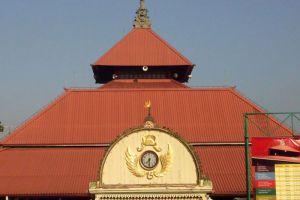 Kauman-Great-Mosque-Yogyakarta-Indonesia-004.jpg