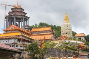 Kek-Lok-Si-Temple-Penang-Malaysia-001.jpg