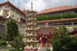 Kek-Lok-Si-Temple-Penang-Malaysia-002.jpg