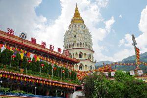 Kek-Lok-Si-Temple-Penang-Malaysia-004.jpg