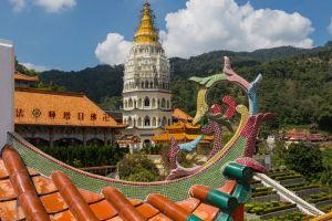 Kek-Lok-Si-Temple-Penang-Malaysia-005.jpg