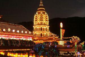 Kek-Lok-Si-Temple-Penang-Malaysia-006.jpg