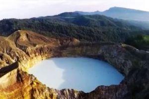 Kelimutu-National-Park-East-Nusa-Tenggara-Indonesia-002.jpg