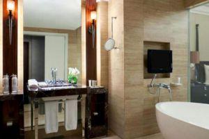 Kempinski-Hotel-Jakarta-Indonesia-Bathroom.jpg