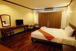 Keomixay-Hotel-Vientiane-Laos-Room.jpg
