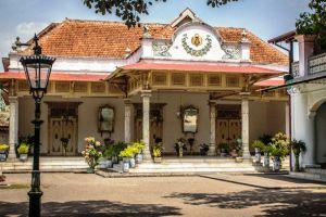 Keraton-Ngayogyakarta-Hadiningrat-Yogyakarta-Indonesia-002.jpg