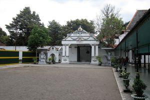 Keraton-Ngayogyakarta-Hadiningrat-Yogyakarta-Indonesia-006.jpg