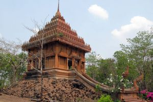 Khao-Angkhan-Temple-Buriram-Thailand-002.jpg