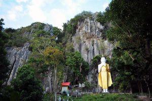 Khao-Chakan-Sakaew-Thailand-03.jpg
