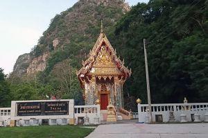 Khao-Chakan-Sakaew-Thailand-05.jpg