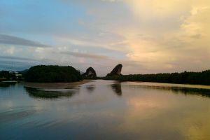 Khao-Khanap-Nam-Krabi-Thailand-002.jpg