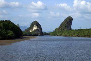 Khao-Khanap-Nam-Krabi-Thailand-003.jpg
