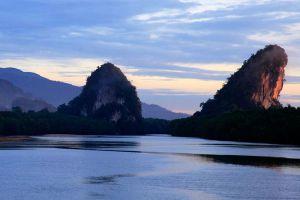 Khao-Khanap-Nam-Krabi-Thailand-005.jpg