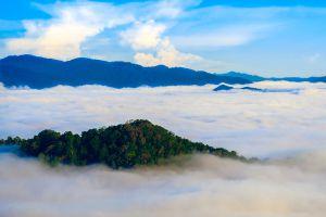 Khao-Phanoen-Thung-Phetchaburi-Thailand-01.jpg