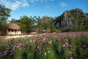 Khao-Phra-Phutthabat-Noi-Saraburi-Thailand-02.jpg